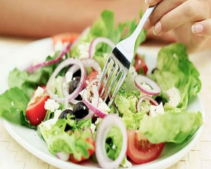 Healthy diet can lower risk of hearing loss: Study