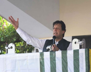 Imran Khan warns Pakistanis not to go to Kashmir to fight jihad