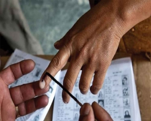 58.8pc voting in J'khand till 3 pm amid violence, 1 killed