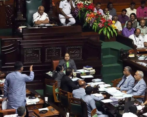 Karna assembly adjourned till Monday without taking up voting On trust motion