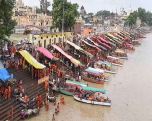 Kartik Purnima: Devotees take holy dip amid high security in Ayodhya