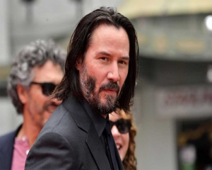 Keanu Reeves' beau reveals why she refuses to dye her grey hair