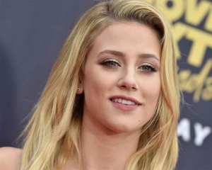 Lili Reinhart is taking therapy sessions again for anxiety and depression