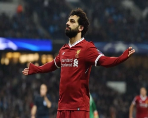 Liverpool's Salah escapes with twisted ankle - reports
