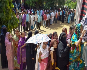 LS polls: Violence in Bengal, clashes in Punjab reported; over 56 pc polling till 5 pm