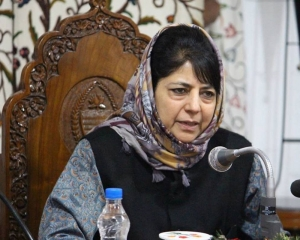 Mehbooba welcomes Pak PM's call to Modi, says dialogue only way forward