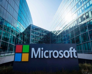 Microsoft contractors can listen to Xbox players' chats: Report