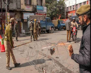 Musa killing: Curfew continues in parts of Kashmir for second day