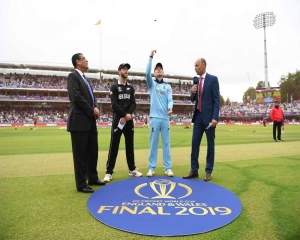 New Zealand win toss, opt to bat against England in WC final