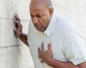 No breakfast and late dinner may up heart attack risk: Study