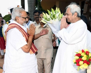 Odisha guv invites Patnaik to form govt after he stakes claim