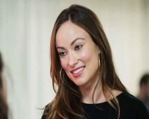 Olivia Wilde to direct new holiday comedy for Universal