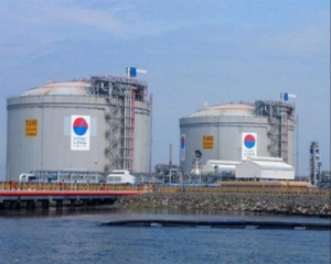 Petronet LNG signs USD 2.5 bn deal to take stake in US LNG plant