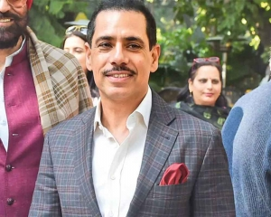 Priyanka's 'arrest' unconstitutional, let democracy not turn into dictatorship: Vadra