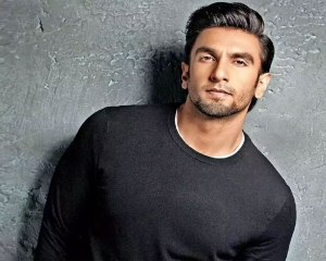 Ranveer Singh gets quirky with GIFs, enthrals fans