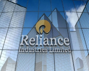 Reliance posts highest quarterly net profit of Rs 10,362 cr in Q4