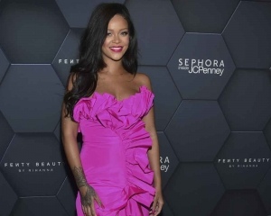 Rihanna to launch her own luxury fashion label
