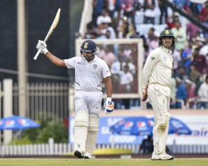 Rohit surpasses Hetmyer, creates record for maximum 6s
