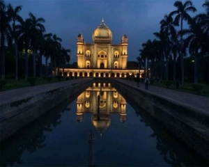 Safdarjung Tomb gets 'architectural illumination'