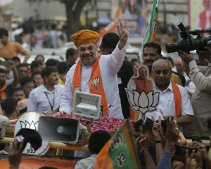 Shah casts vote in Guj, says every vote can take nation ahead
