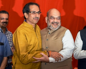 Shiv Sena to contest 23, BJP 25 seats in Lok Sabha, 50:50 in assembly polls