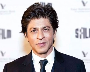 SRK raps to encourage people to vote, PM calls it 'fantastic effort'