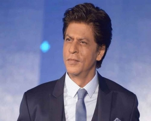 SRK saves Aishwarya Rai's manager from fire incident
