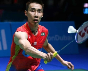 Tears as badminton star Lee quits after cancer battle