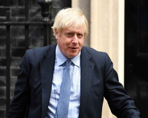 UK's Johnson prepares push to heave Brexit bill over line