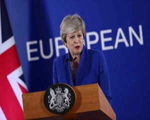 UK's May tweaks Brexit deal in last-ditch bid to win support