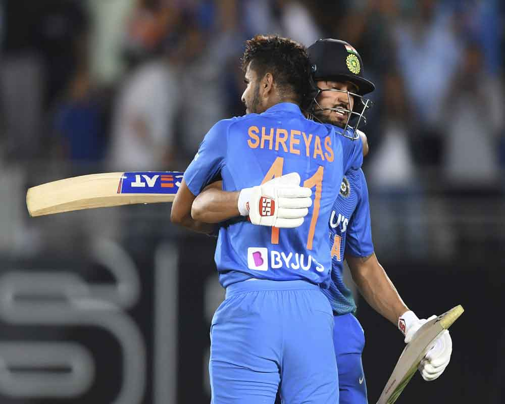 1st T20I: Iyer fireworks, Rahul onslaught give India six-wicket win over New Zealand