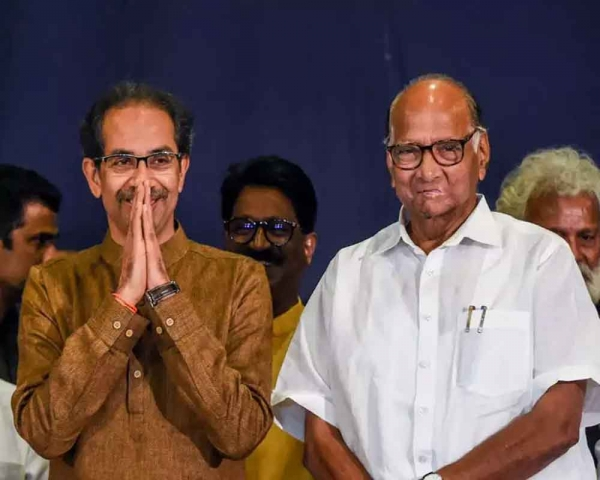 Day after spat on NIA taking over Elgar case, Pawar-Maha CM share stage