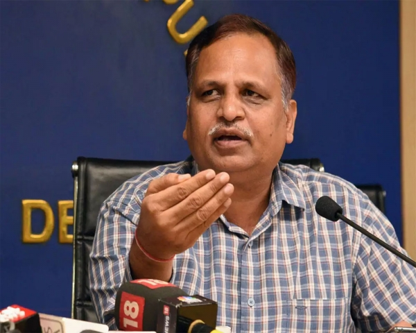 Impossible to wipe off COVID spread through lockdown, treat mask  as vaccine: Jain