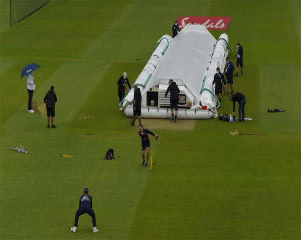 Start of England-West Indies delayed by rain