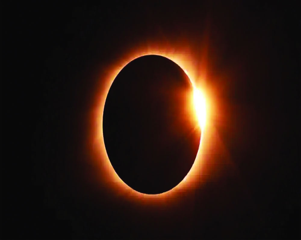 Astroturf | The effect of an eclipse