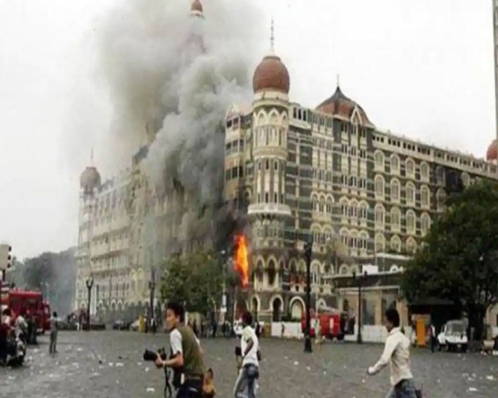 Bollywood remembers 26/11 victims, martyrs: Will be forever indebted to your sacrifice