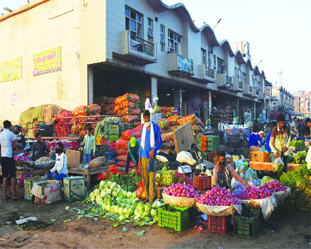 Day after headlong rush, Govt ensures supplies