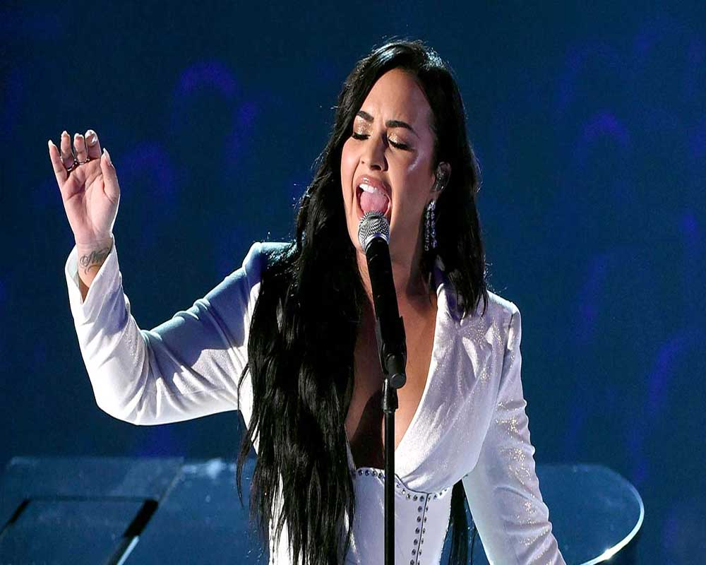 Demi Lovato receives standing ovation for comeback gig at Grammys