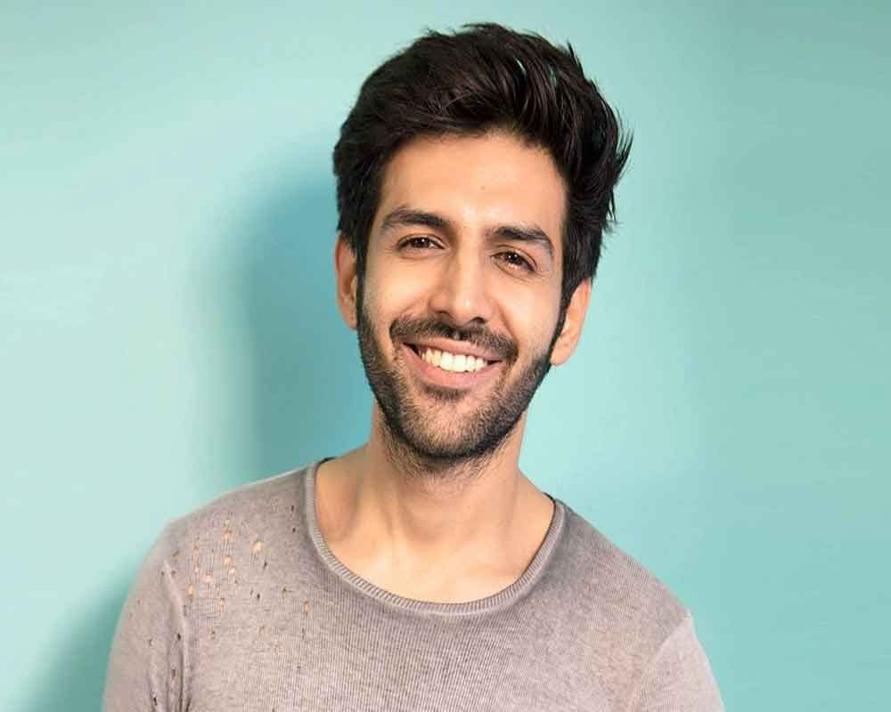 Kartik Aaryan works out at midnight because he is busy doing nothing all day!
