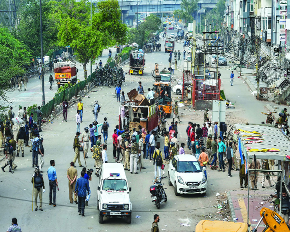 Shaheen Bagh cleared,  9 protesters detained