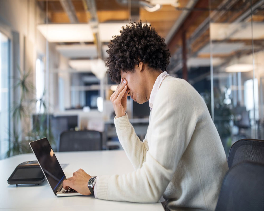 Simple ways to release workplace stress