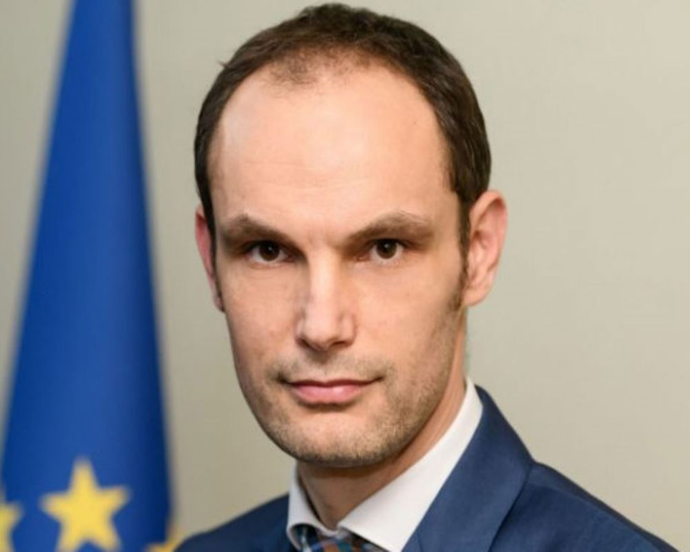 Slovenian foreign minister tests positive