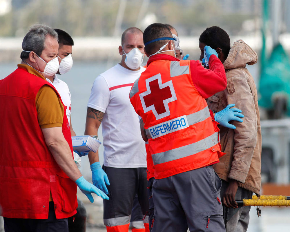 Spain counts 832 deaths in 24 hours as toll surges to 5,690: govt