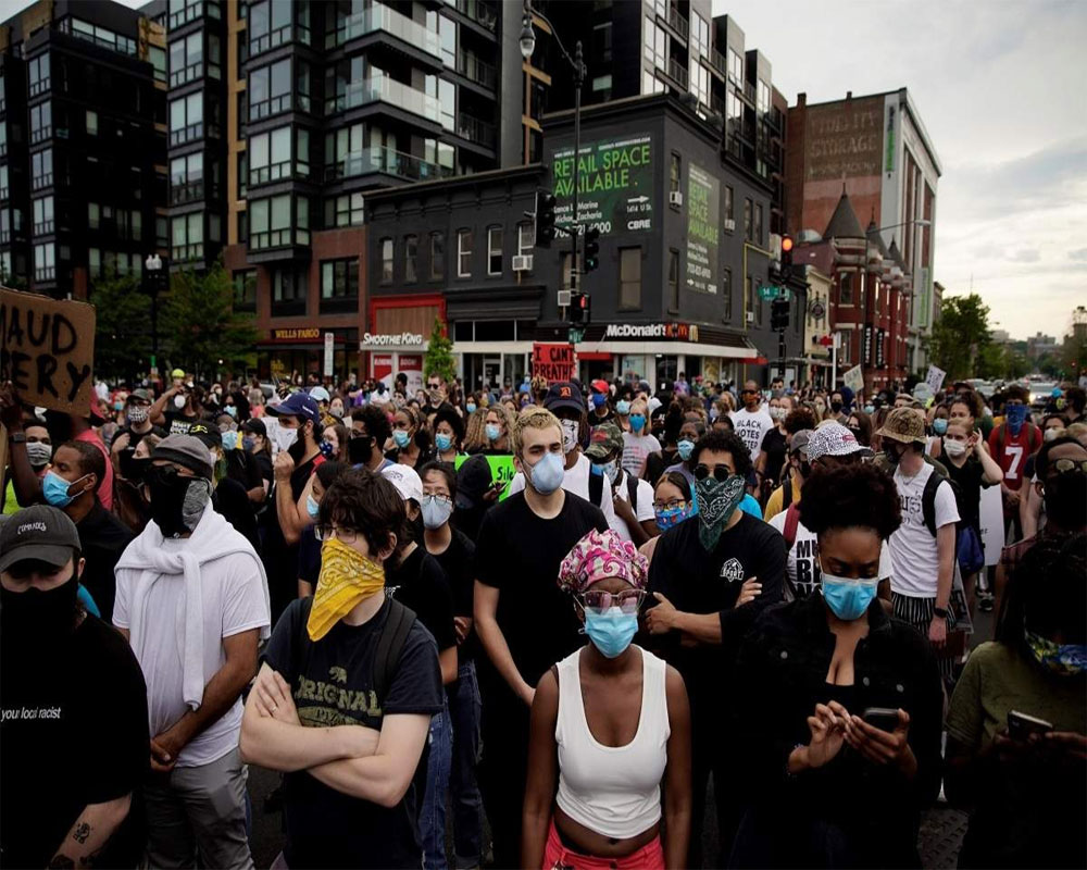 Thousands of people take to streets in NY to protest death of George Floyd