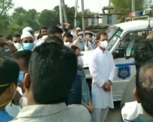 Ahmed Patel laid to rest; Rahul Gandhi attends funeral
