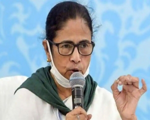 Bengal COVID-19 situation being addressed aptly: Mamata to PM