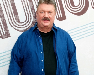 Country music veteran Joe Diffie tests positive for COVID-19.