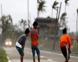 Death toll from typhoon Molave in Philippines reaches 16