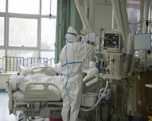 Death toll in China's coronavirus climbs to 2,118; Confirmed cases on decline