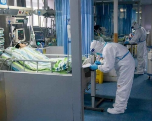 Death toll in China's coronavirus soars to 213, confirmed cases reach 9692